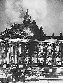 The Feuerwehr at the Reichstag.