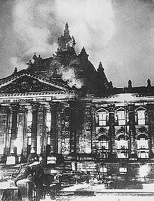 The Feuerwehr at the Reichstag.